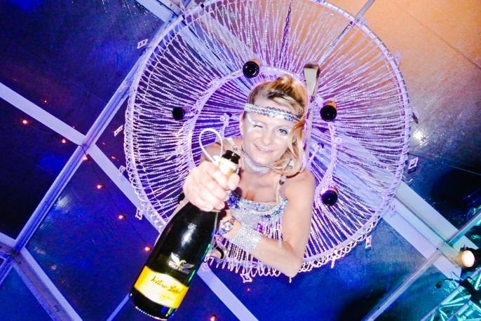 champagne aerialist