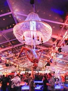 corporate events-aerial bartenders