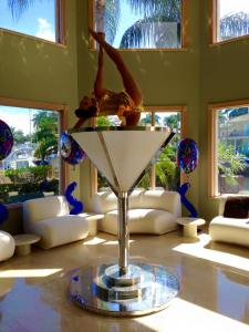 Contortion in the Martini Glass